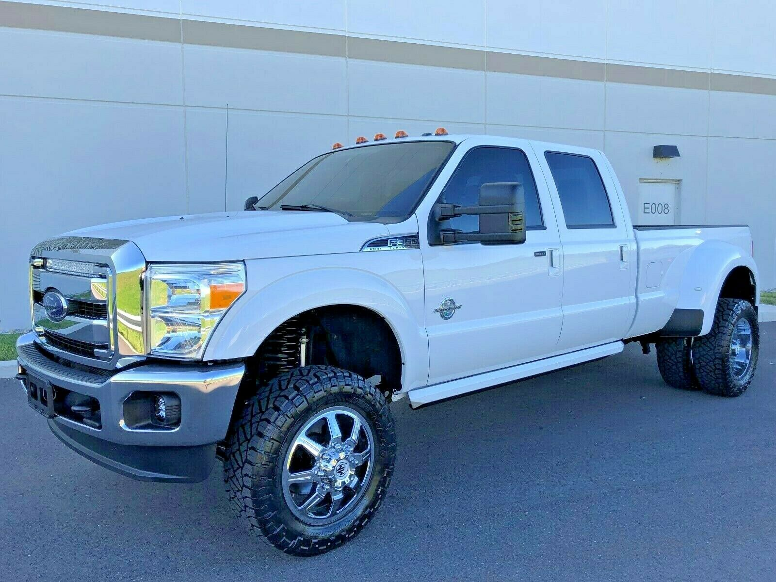 well optioned 2016 Ford F 350 LARIAT lifted for sale