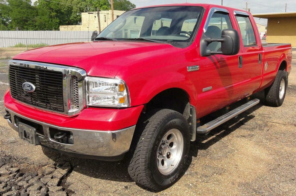 clean 2006 Ford F 250 XL/XLT Powerstroke lifted