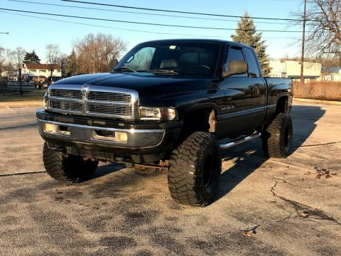 great shape 2001 Dodge Ram 1500 SLT lifted for sale
