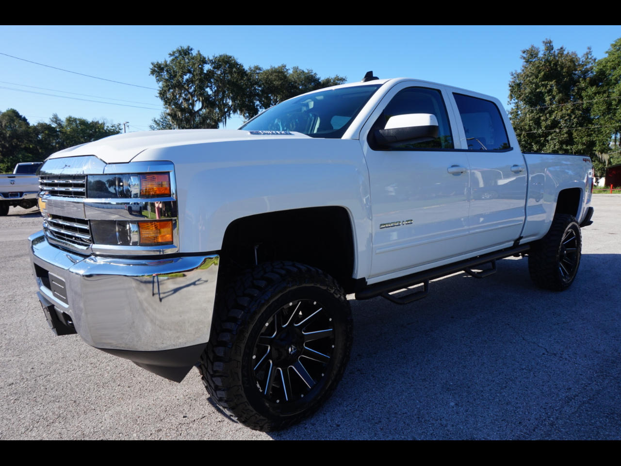 great shape 2018 Chevrolet Silverado 2500 lifted for sale