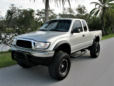 rust free 2002 Toyota Tacoma Prerunner lifted for sale