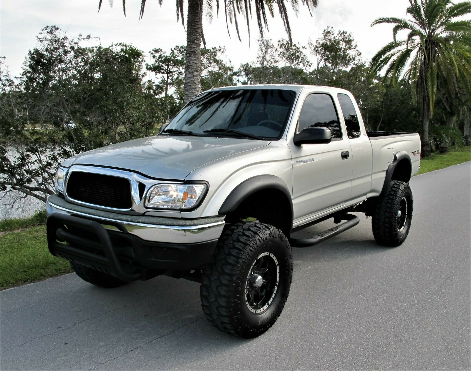 rust free 2002 Toyota Tacoma Prerunner lifted