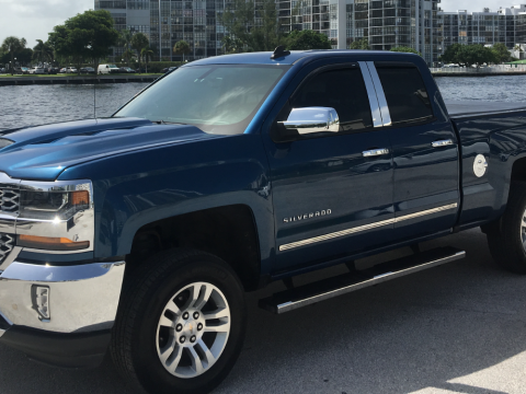 very clean 2018 Chevrolet Silverado 1500 lt lifted for sale