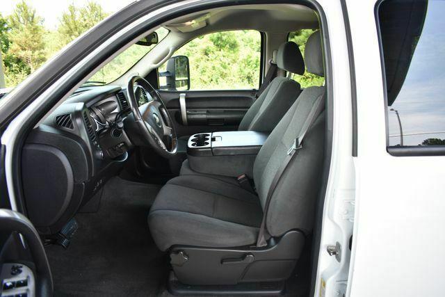 very nice 2008 Chevrolet Silverado 2500 LT w/1LT lifted