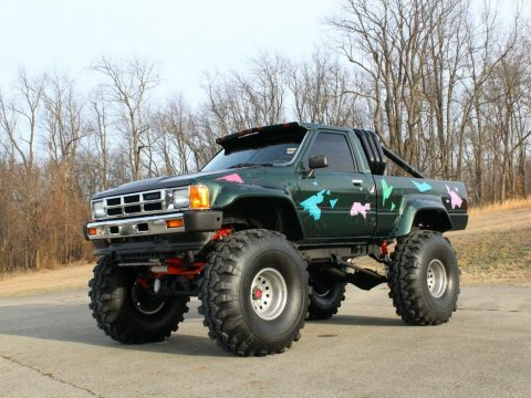 custom 1985 Toyota Pickup SR5 lifted for sale