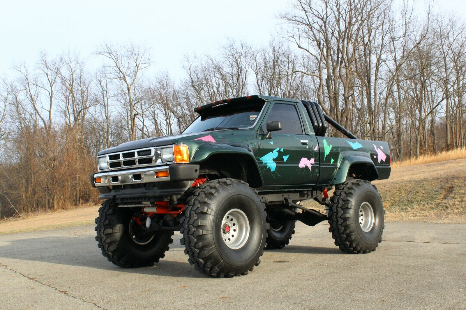custom 1985 Toyota Pickup SR5 lifted