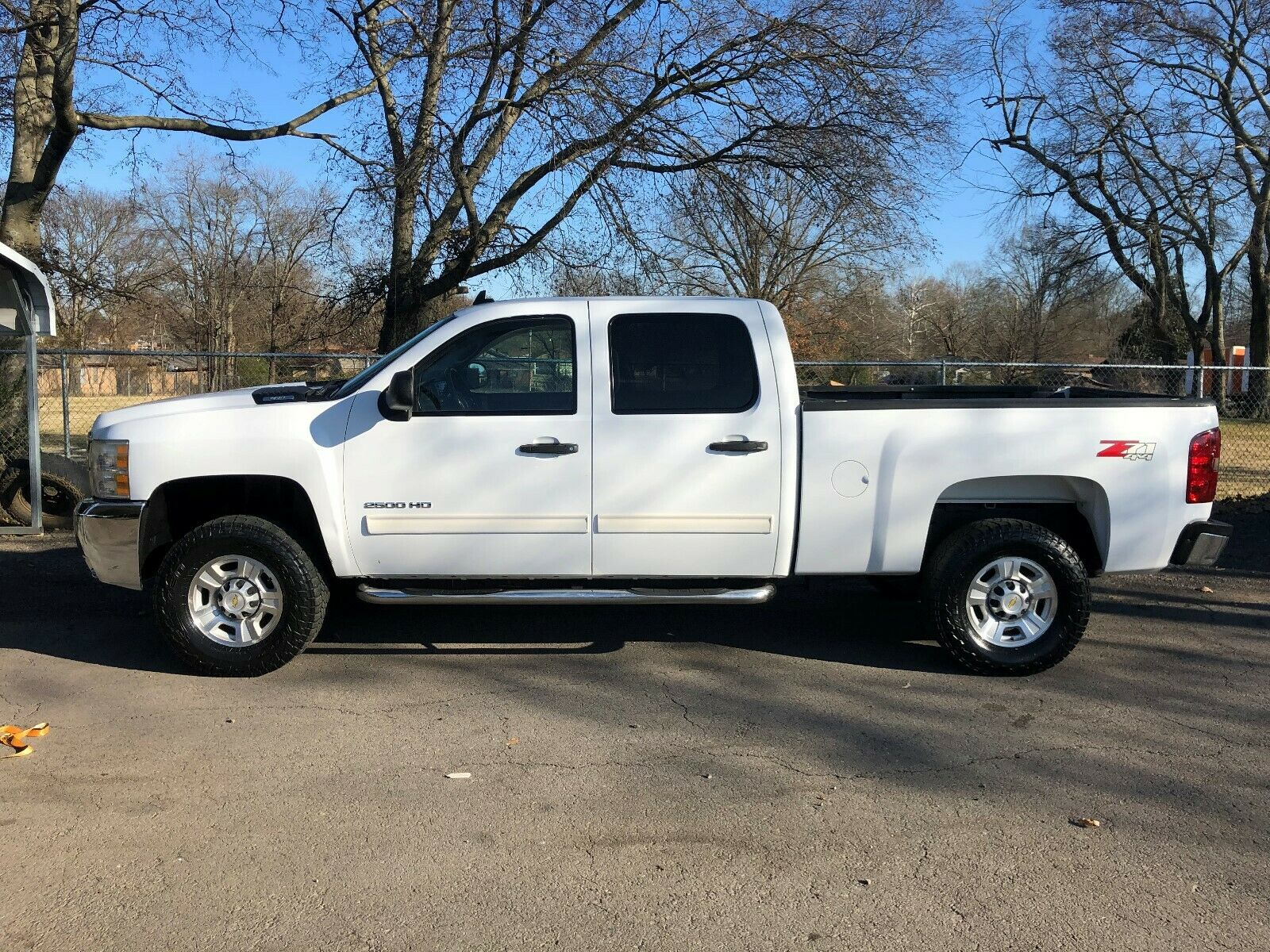 great shape 2010 Chevrolet Silverado 2500 LT lifted