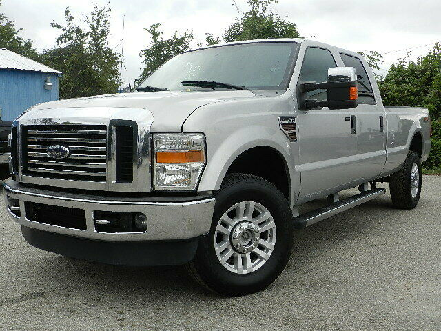 very nice 2010 Ford F 350 XLT 4×4 lifted for sale