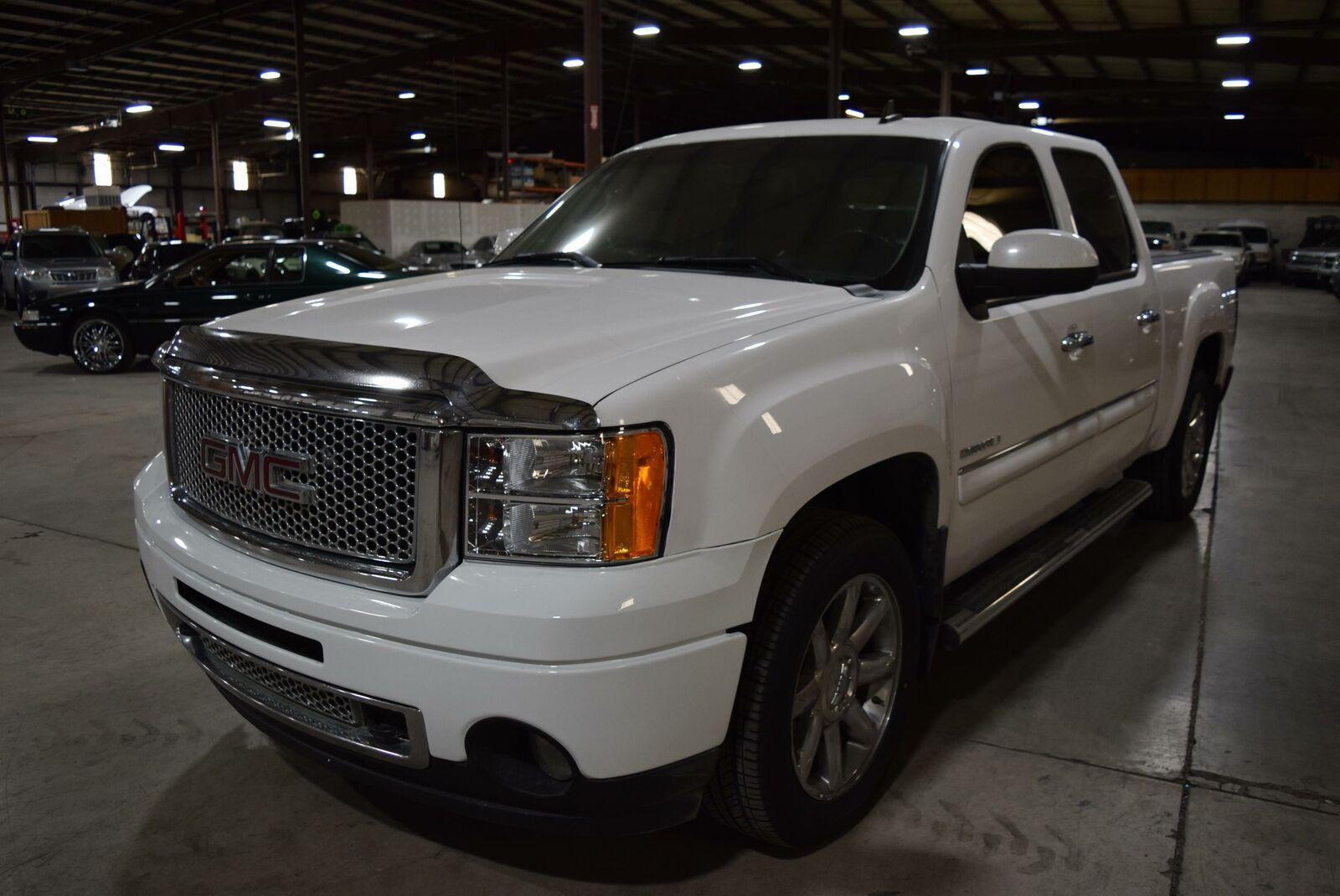fully loaded 2011 GMC Sierra 1500 Denali lifted for sale