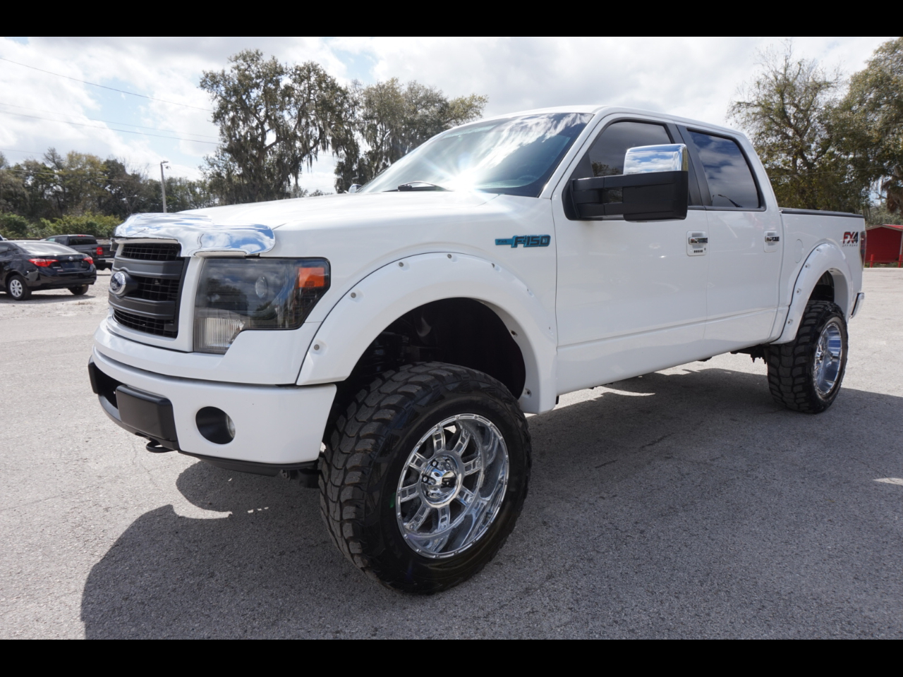nice and clean 2013 Ford F 150 XLT Supercrew lifted for sale