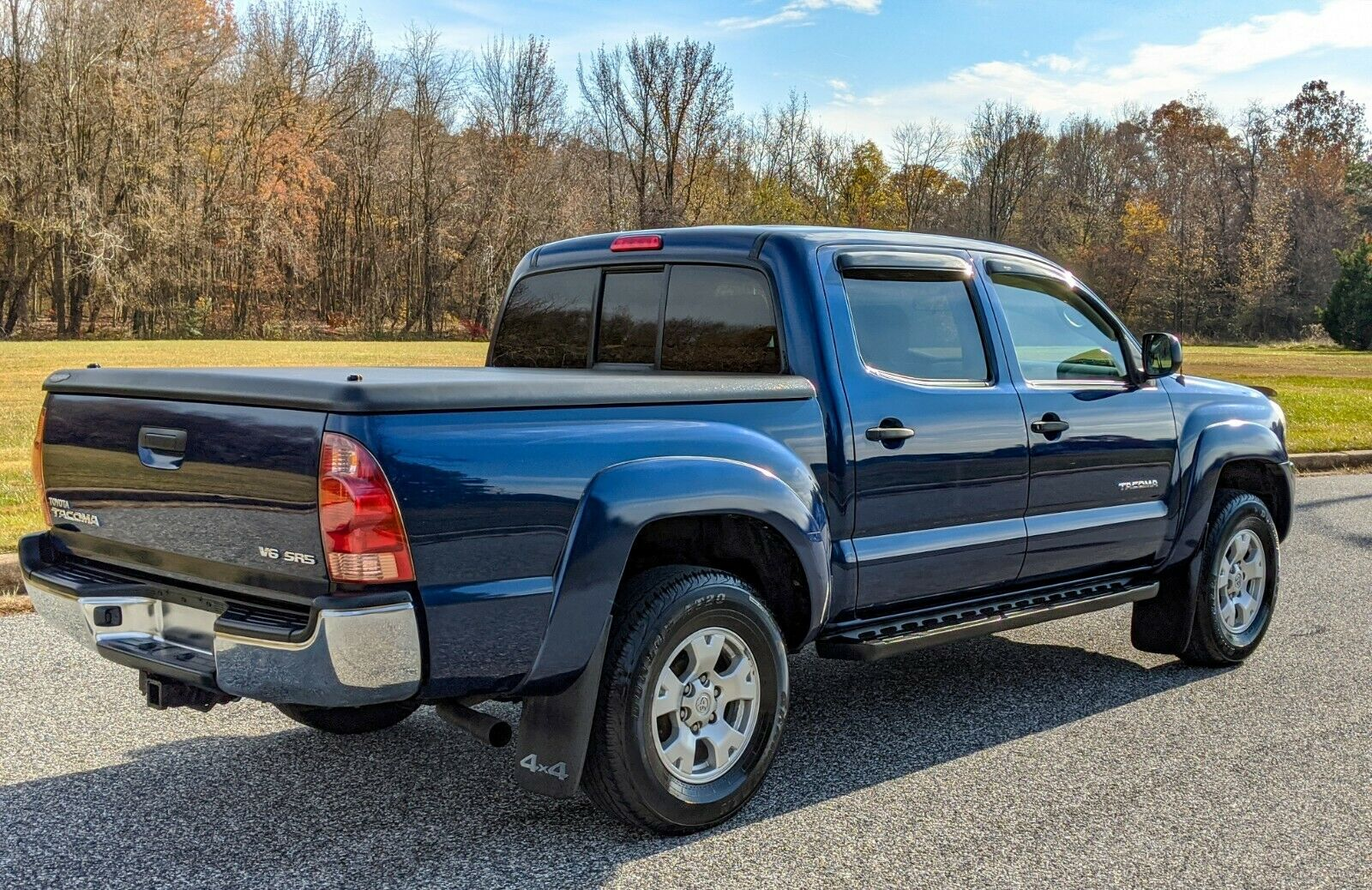 well maintained 2006 Toyota Tacoma lifted