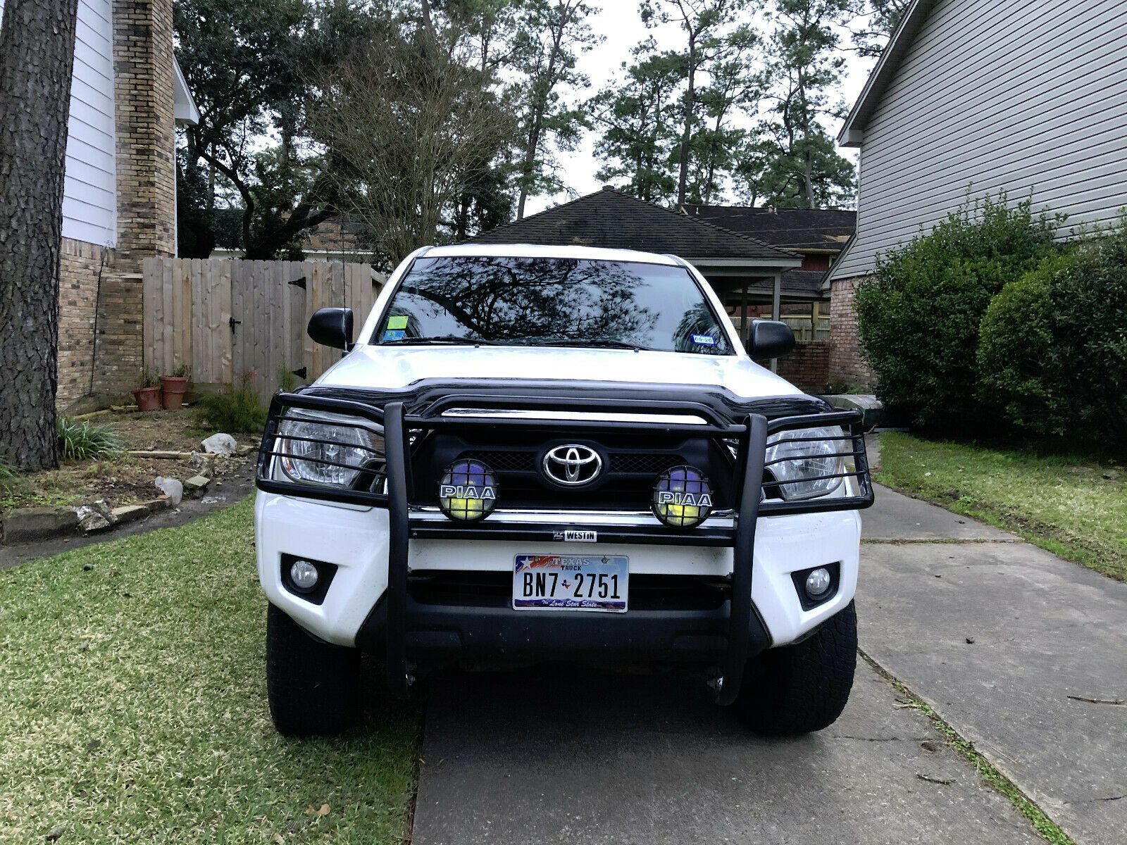 well maintained 2012 Toyota Tacoma SR5 lifted