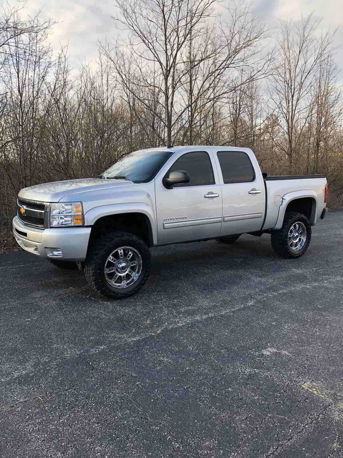 great shape 2011 Chevrolet Silverado 1500 K1500 LT lifted for sale