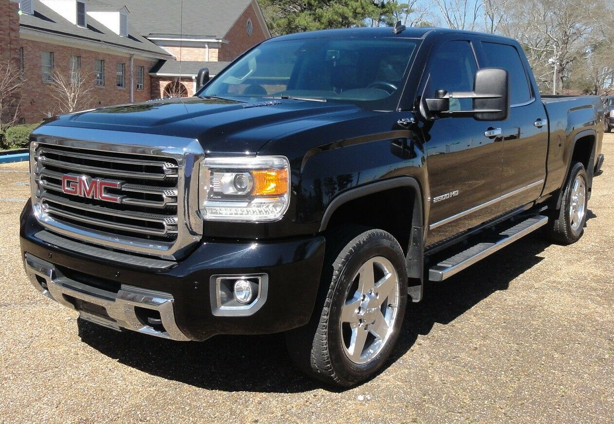 well equipped 2015 GMC Sierra 2500 SLT lifted