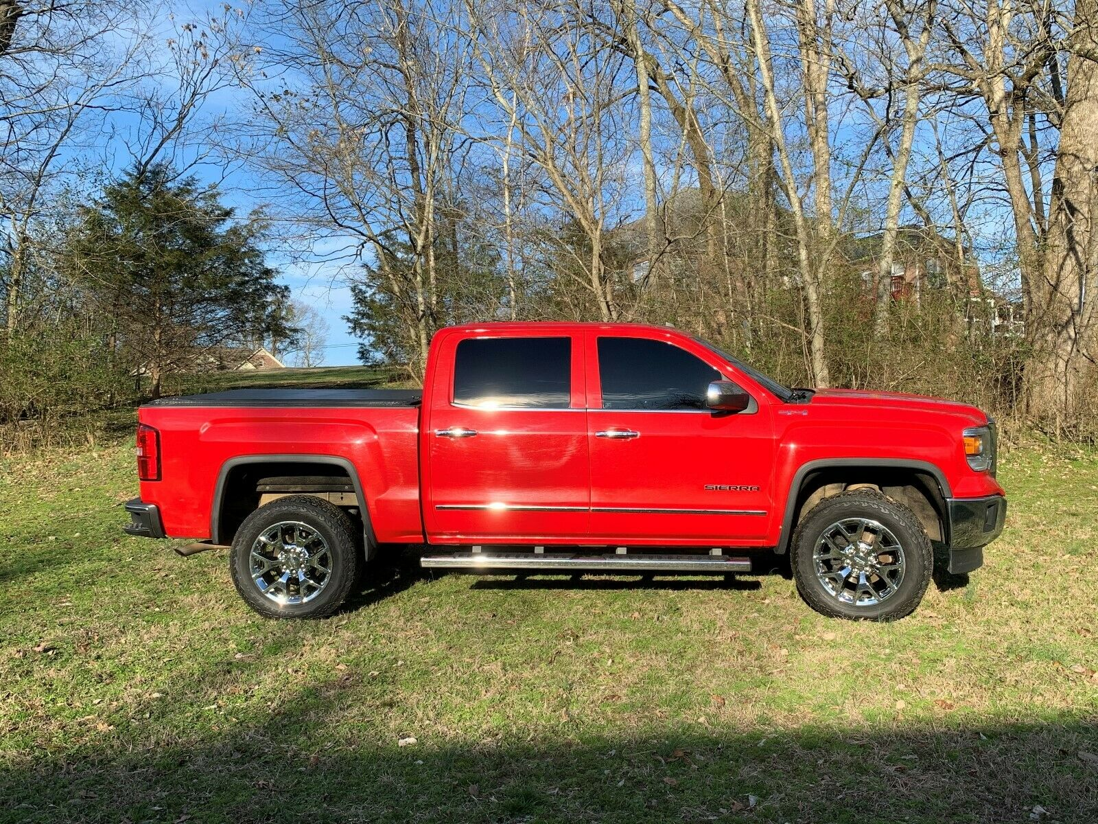 well maintained 2014 GMC Sierra 1500 SLT lifted