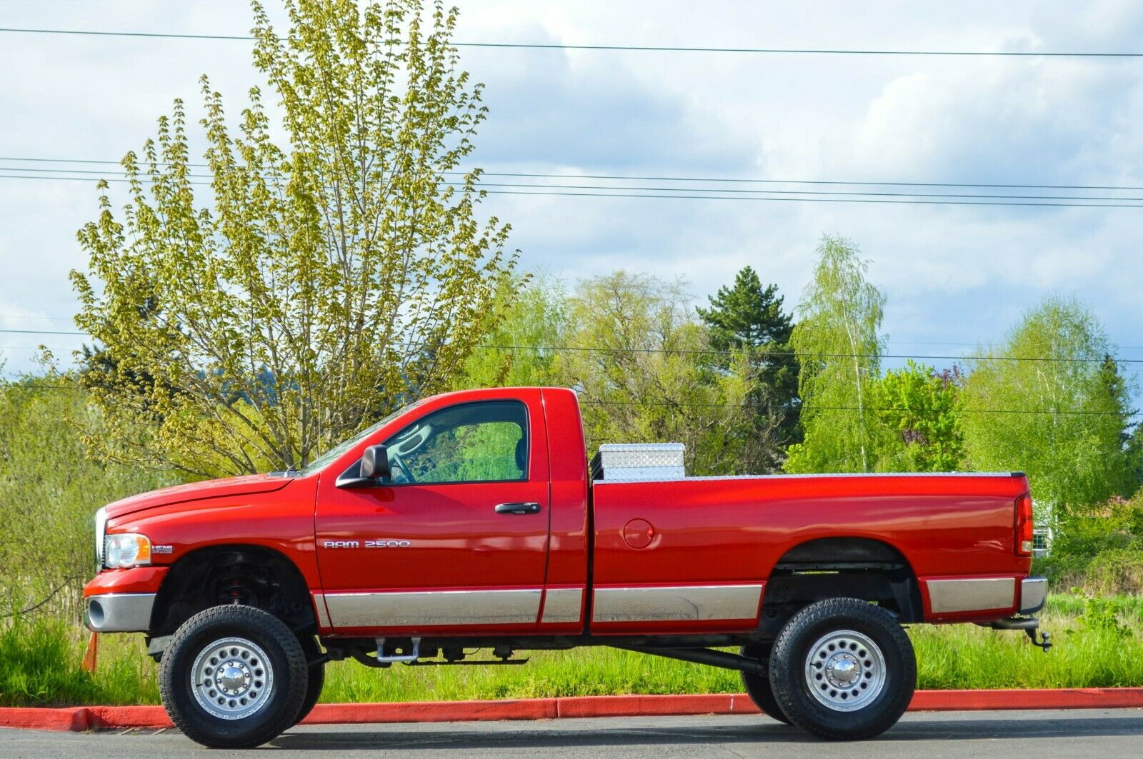 fully loaded 2004 Dodge Ram 2500 lifted