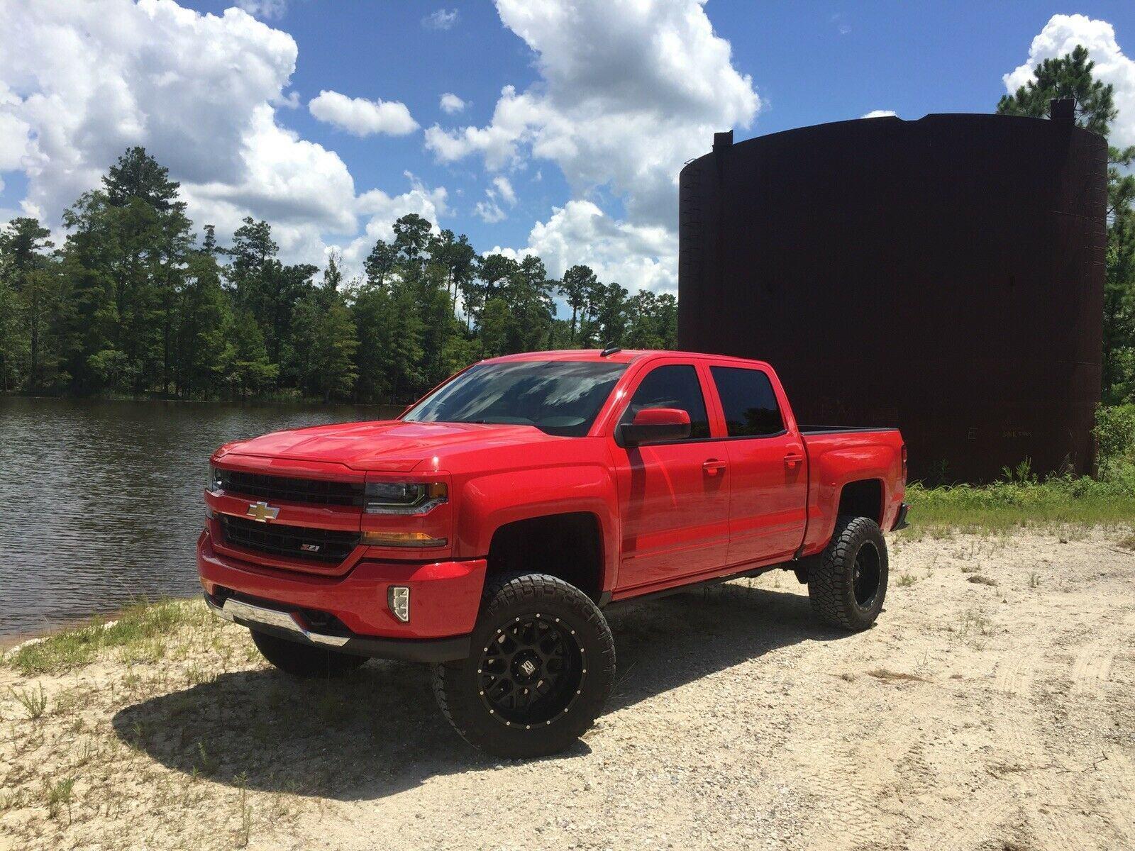 loaded 2017 Chevrolet Silverado 1500 K1500 LT lifted
