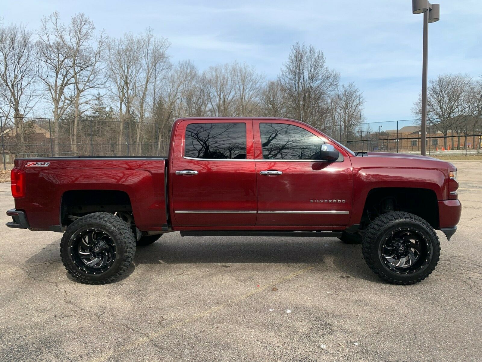 loaded with goodies 2016 Chevrolet Silverado 1500 LTZ lifted