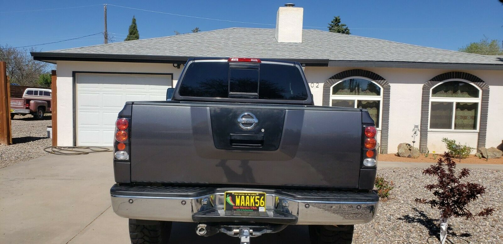 modified 2006 Nissan Titan SE lifted