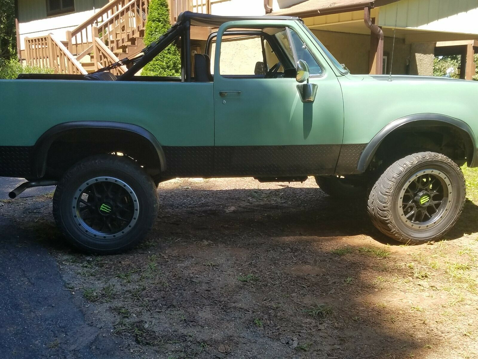 rare 1978 Dodge Ramcharger 4×4 lifted