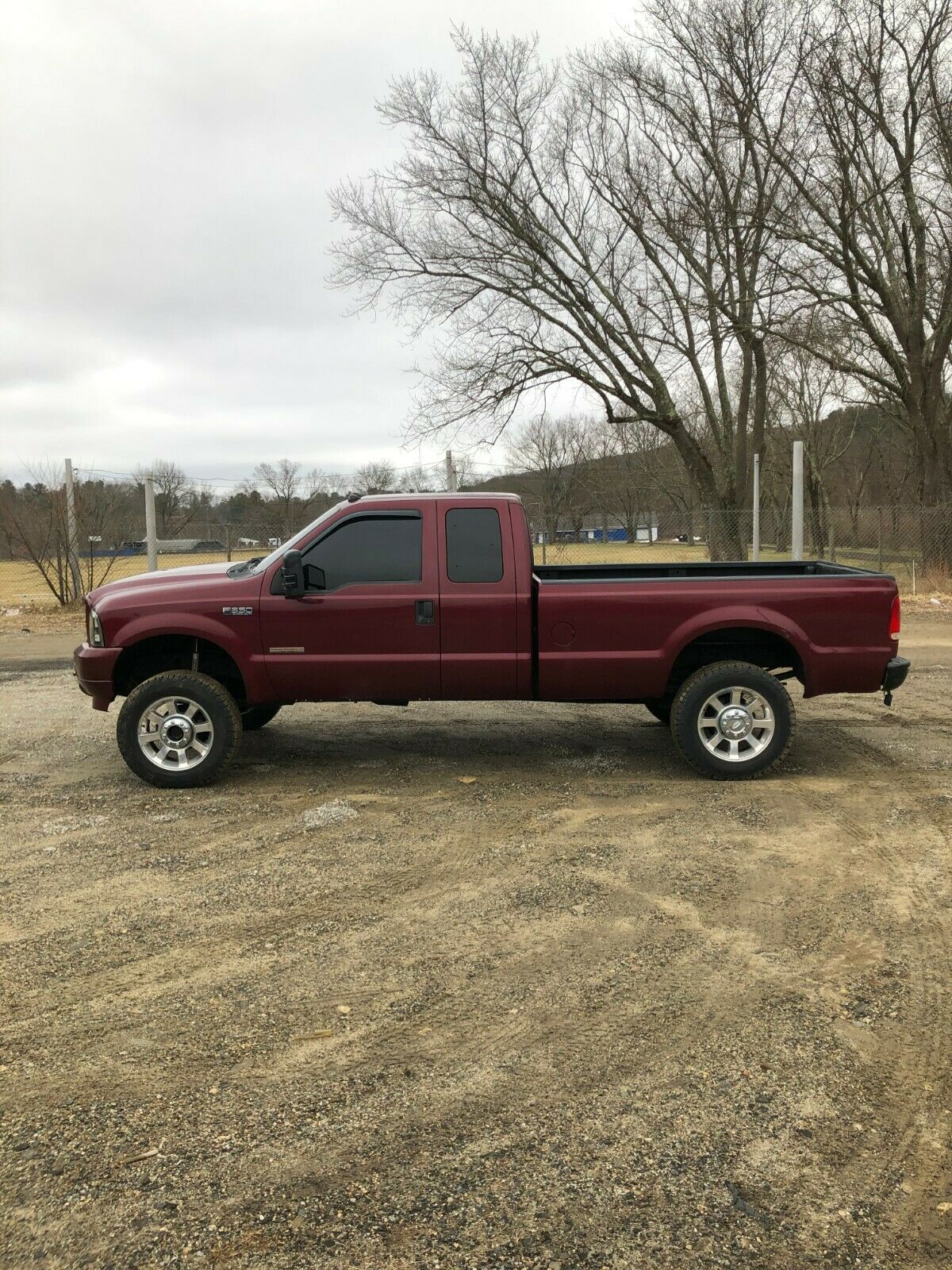 very nice 2004 Ford F 350 Super DUTY lifted