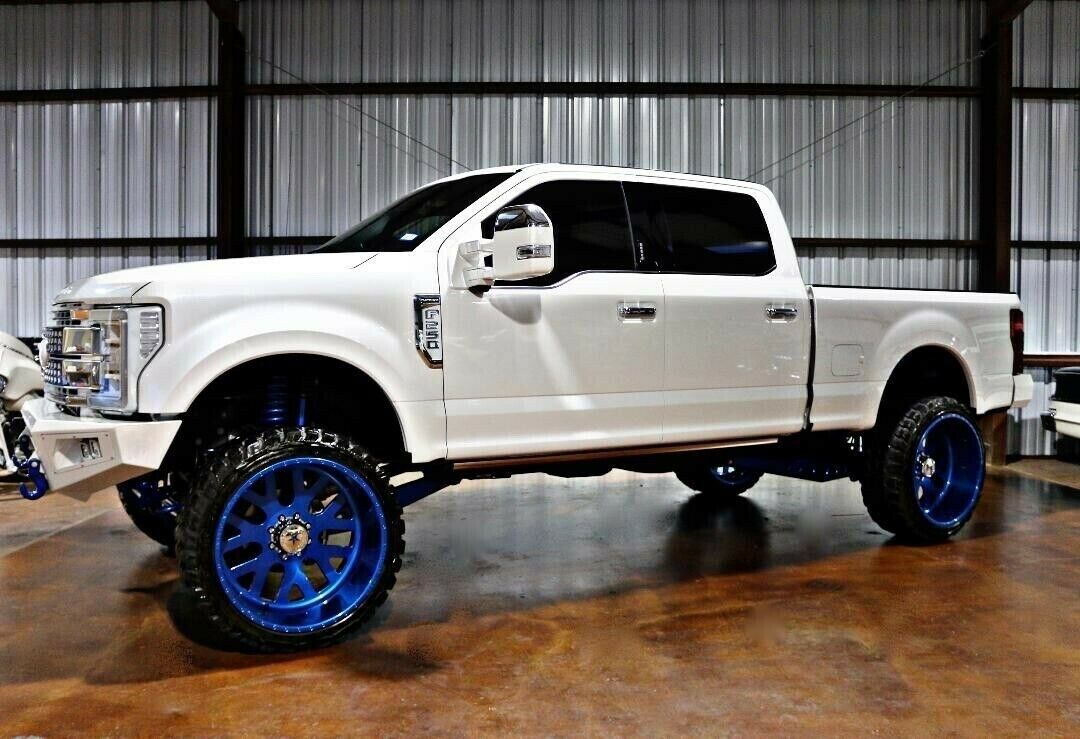 well modified 2017 Ford F 250 Super DUTY lifted for sale