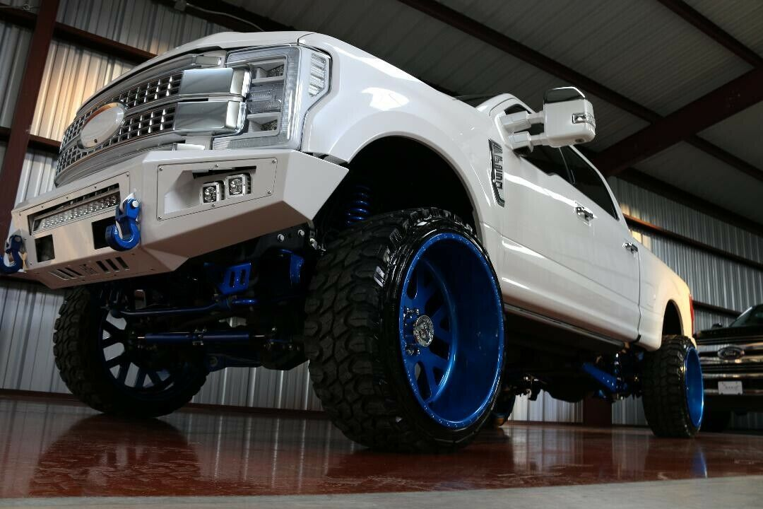 well modified 2017 Ford F 250 Super DUTY lifted