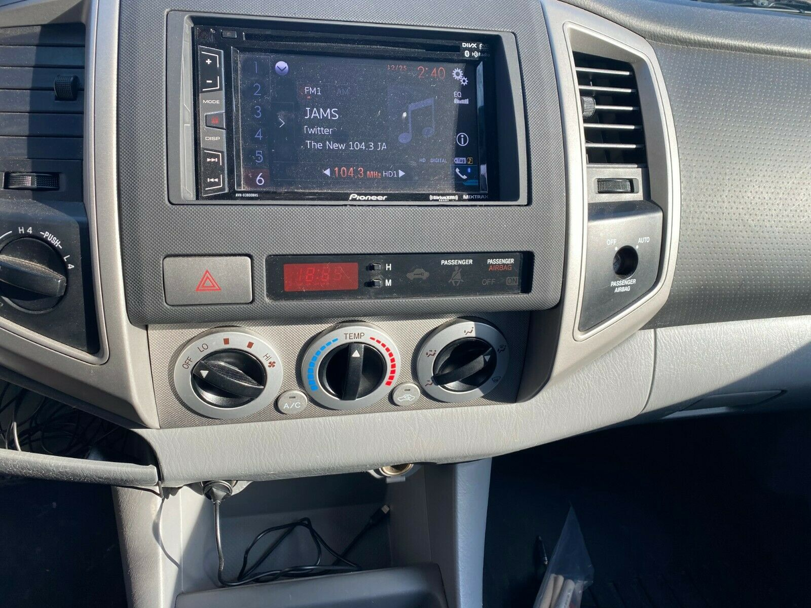 well serviced 2005 Toyota Tacoma lifted