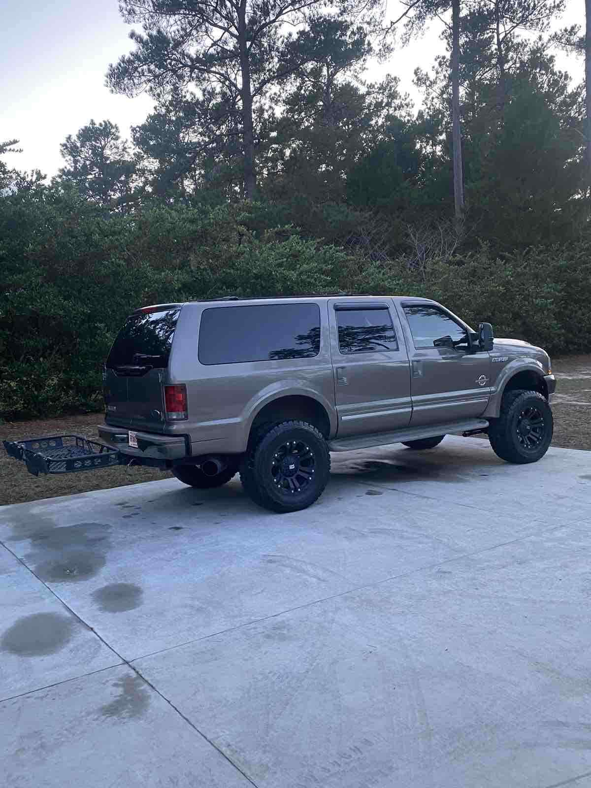 new parts 2004 Ford Excursion LIMITED lifted