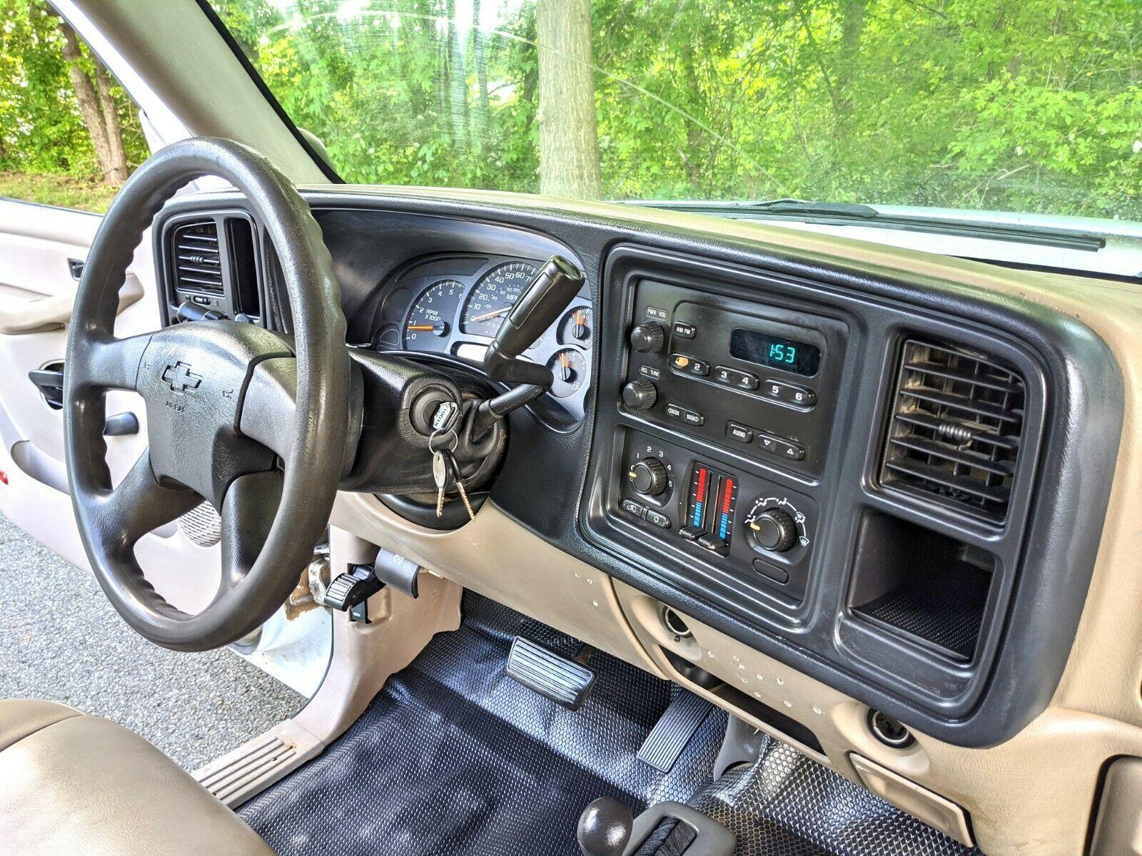 low miles 2006 Chevrolet Silverado 2500 lifted