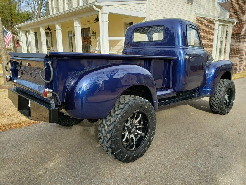 restomod 1950 Chevrolet Pickup lifted