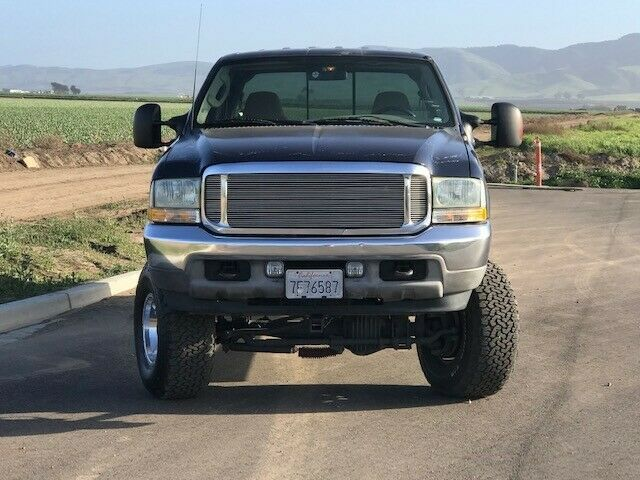 some imperfections 2003 Ford F 250 Super DUTY lifted